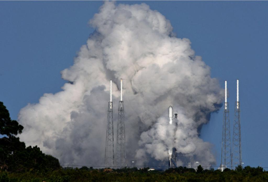 Falcon 9 (Starlink v1.0 L28) - CCSFS - 26.5.2021 Hotfir10