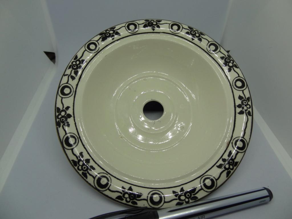 white creamware dish? Dsc03313