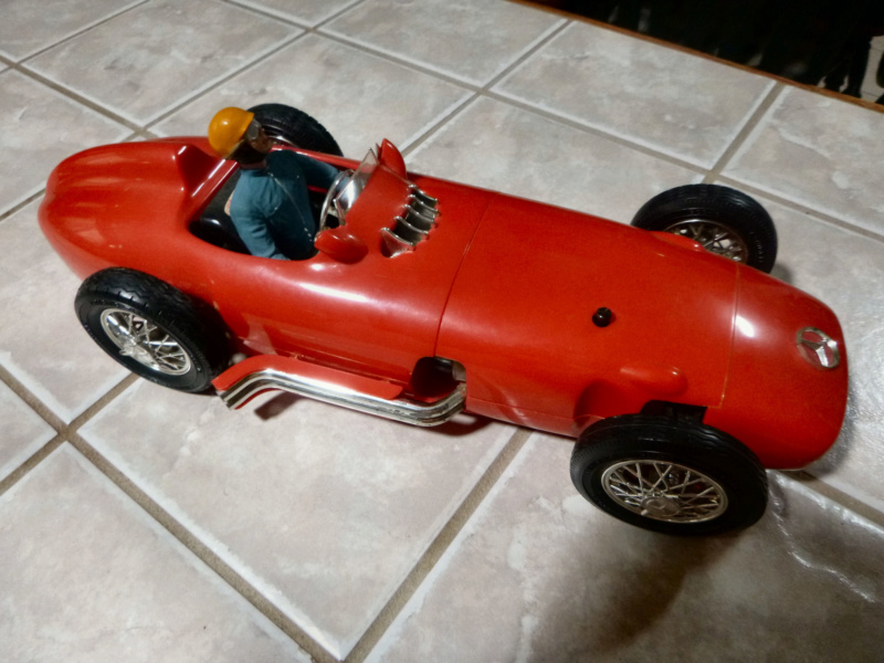 1961 cox mercedes benz racer - Page 2 P1020112