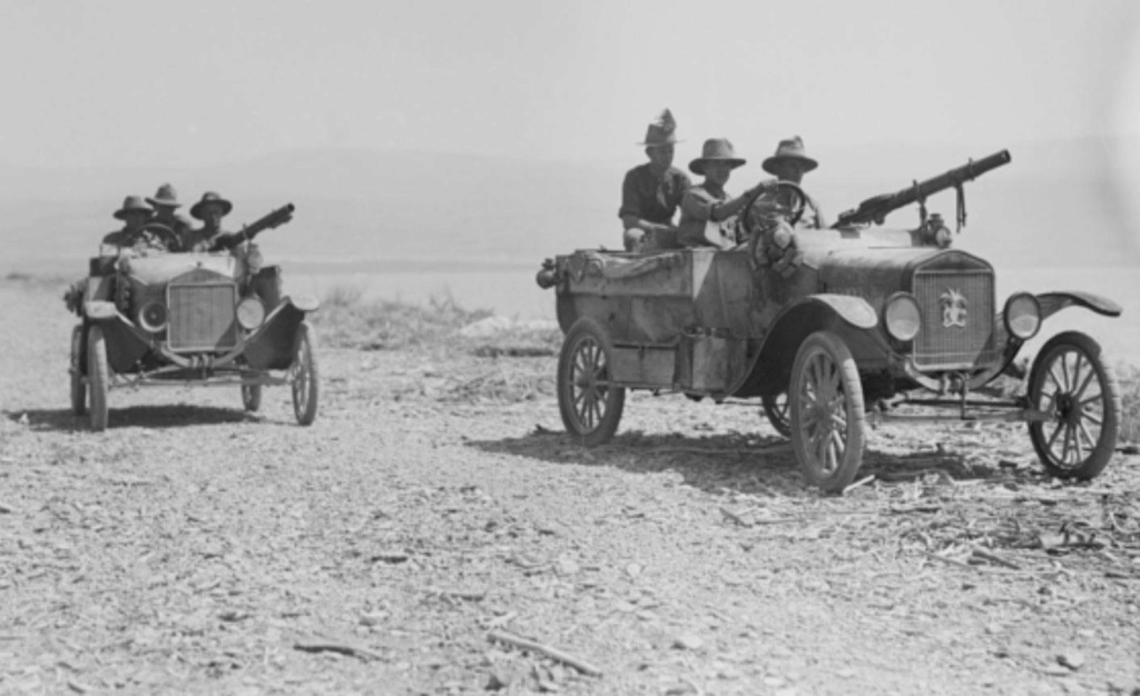 Deux FORD T de l' ANZAC en Egypte 1917 44991910