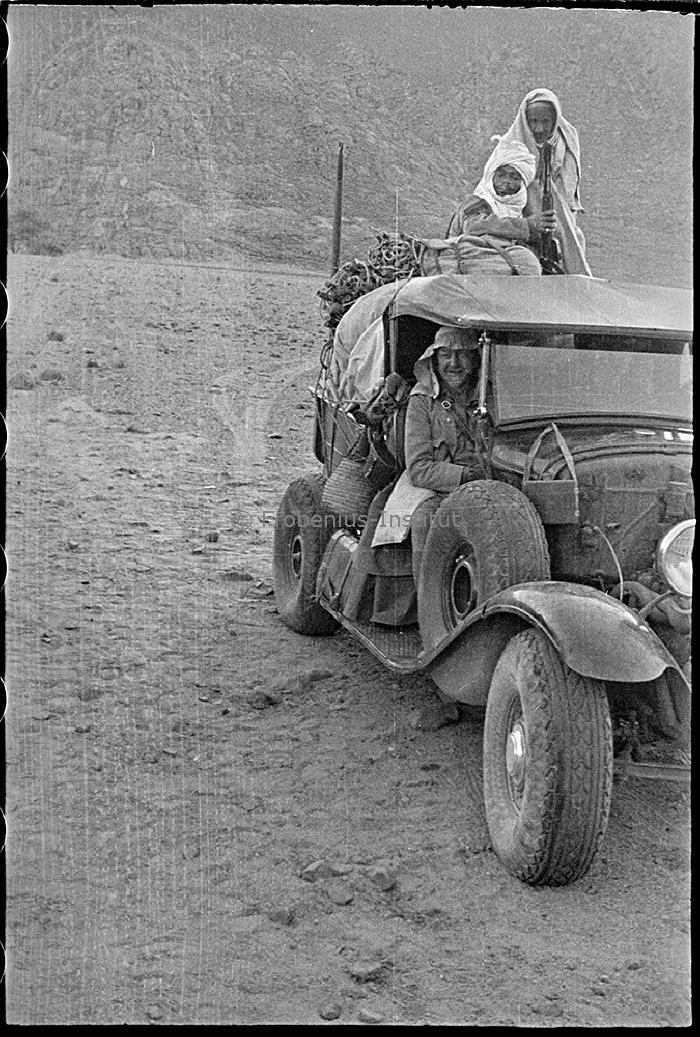 """Suite """"du patient anglais"""" aux maquettes de Ford A  Automne 1933 Expédition dans le Gilf Kébir (Désert libyque) Bildar10"""