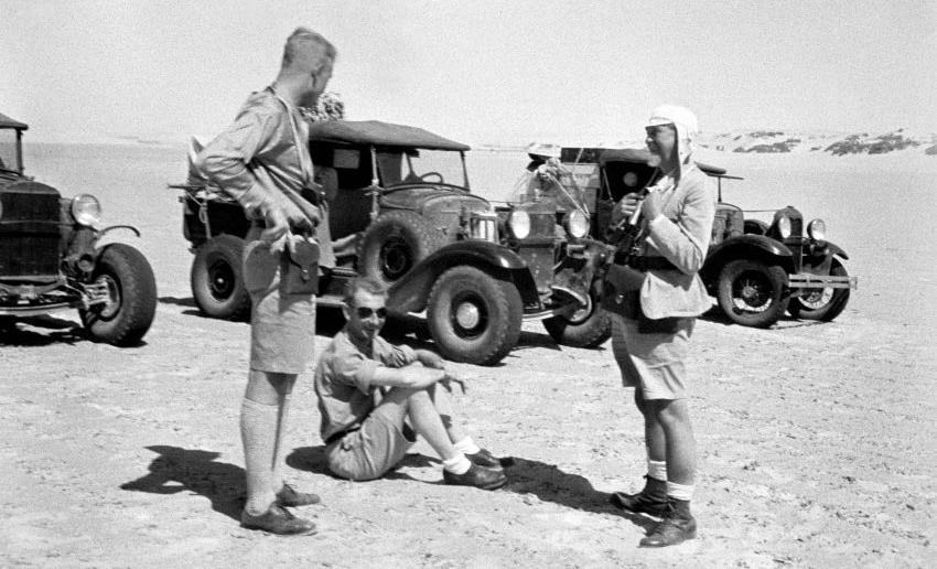 """Suite """"du patient anglais"""" aux maquettes de Ford A  Automne 1933 Expédition dans le Gilf Kébir (Désert libyque) Captur12"""