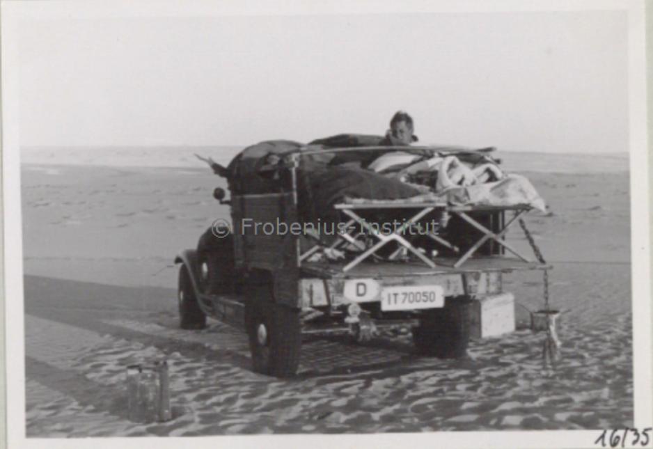 1934 Ford A de l'expédition de Léo Frobénius Moyen-Orient et Sahara Captur29