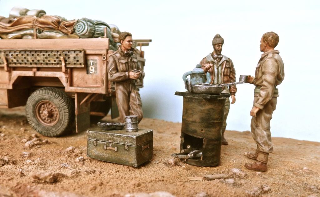 Lunch time Long Range Desert Group Désert libyque 1942 Pc160010