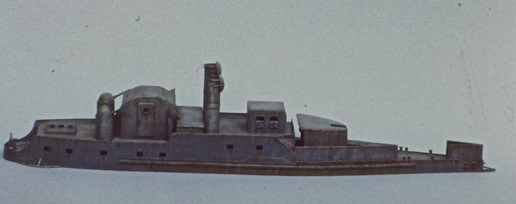 """Canonnière """"Brutale"""" Echelle HO = 1/87e Maquette construite en 1998 pour le Musée du Fort de la Pompelle (51) Pict0214"""