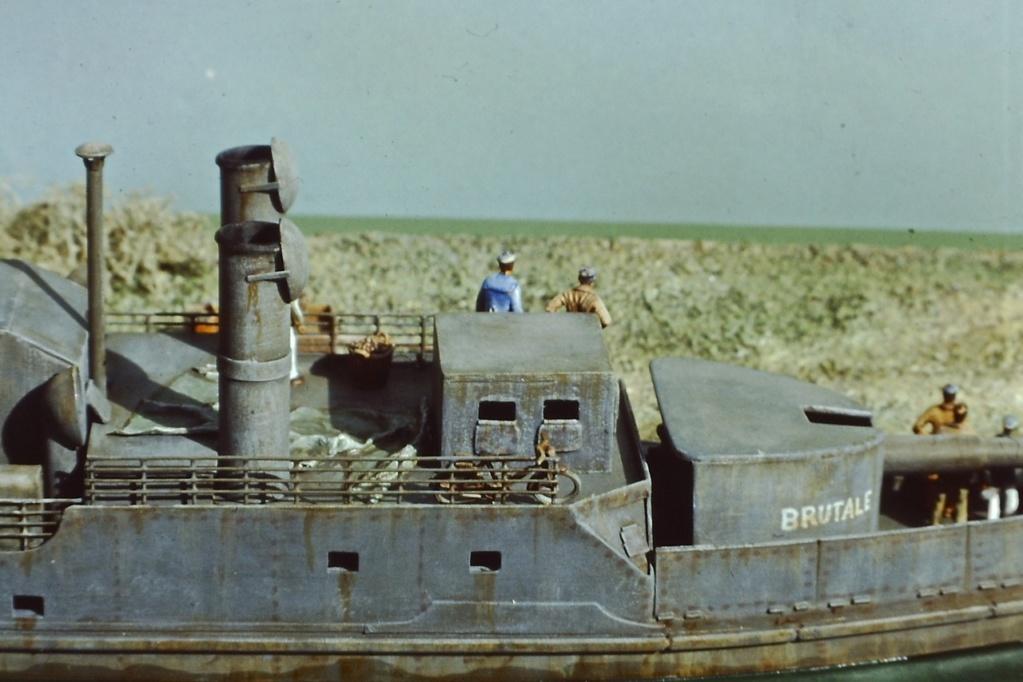 """Canonnière """"Brutale"""" Echelle HO = 1/87e Maquette construite en 1998 pour le Musée du Fort de la Pompelle (51) Pict0216"""