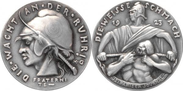 Dos meses y dos días de prisión, por vender una medalla. 2678_114