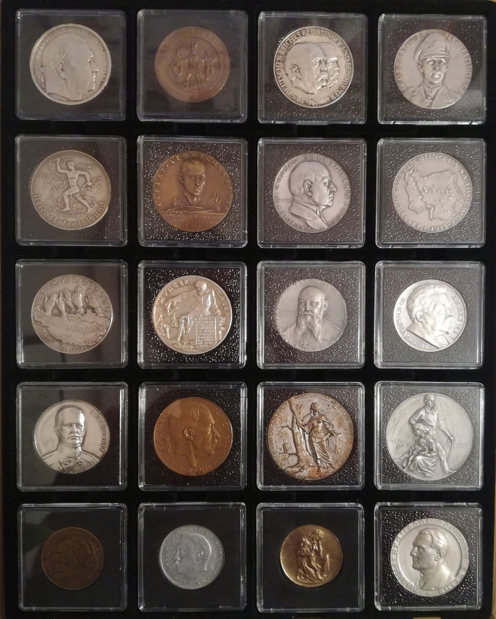 Otra manera de poner las monedas Img_2158