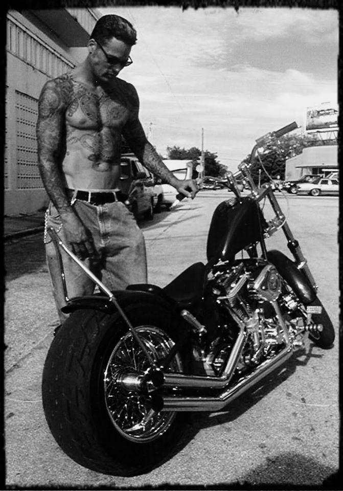 Ils ont posé avec une Harley, uniquement les People - Page 16 84086511