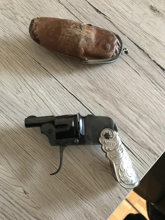 Revolver NOVO  Cbcd5b10