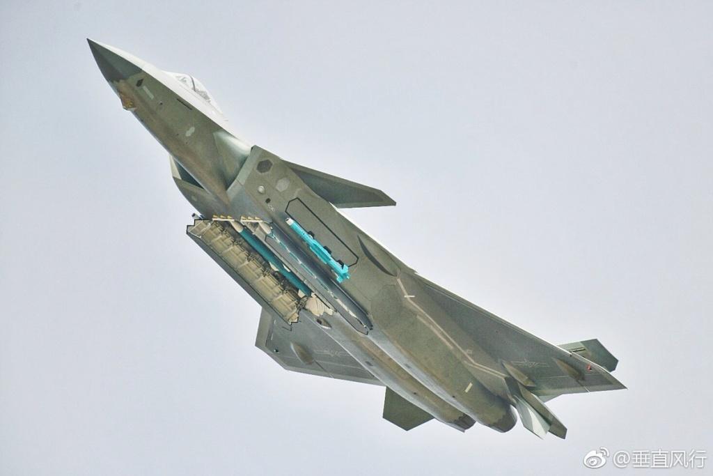 الصين تجري التحسينات النهائية تمهيدا لبدء إنتاج مقاتلات J-20 الشبحيه  Dryiov11