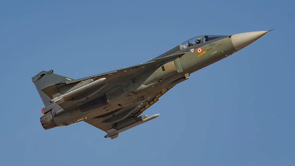 اليابان تخطط لبيع مقاتلاتها القديمه نوع F-15 الى الولايات المتحده  - صفحة 2 Iaf_te10