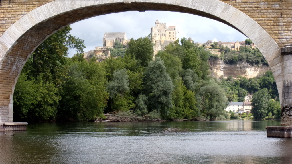 Photo quizz Fourgon-Passion - Page 30 Beynac10