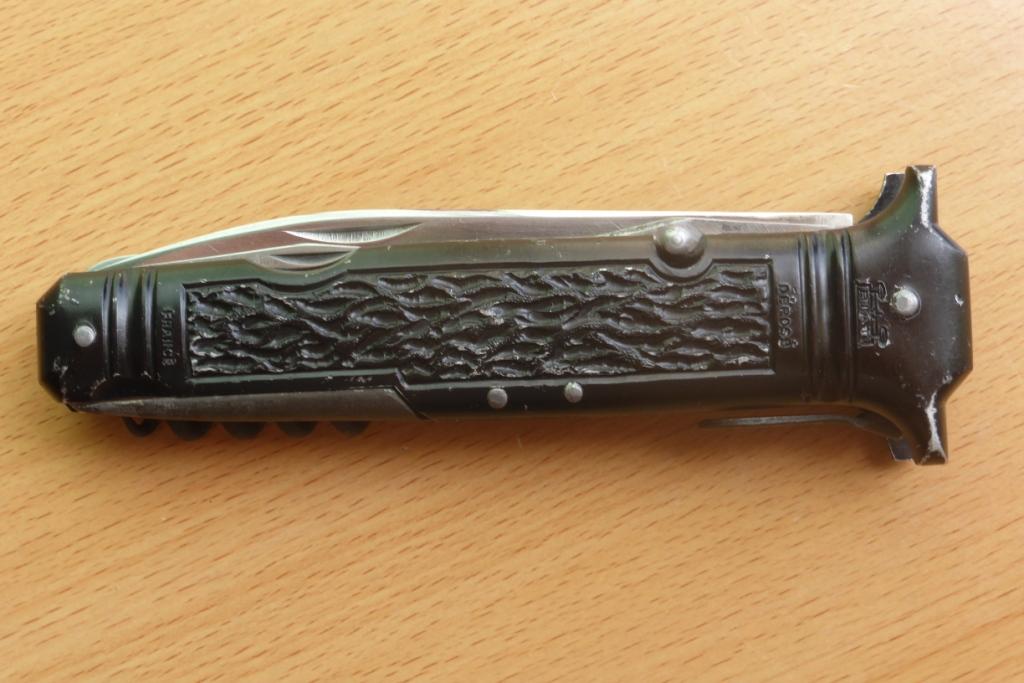 couteau des commandos de l'air Coutea15