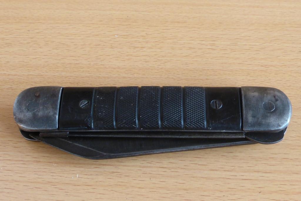 Gros couteau pliant colonial ww2 de l'USAAF. Coutea35