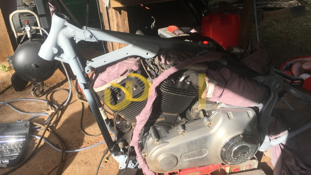 Cross bones moteur 1584 7ac53a10