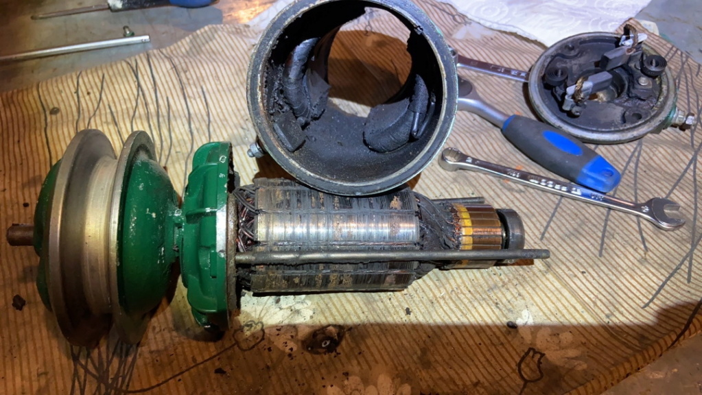 moteur - SOMECA SOM25E - Moteur et radiateur - Page 5 Img_1125