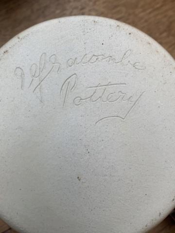 Signature ID Help, Ilfracombe Pottery Img_4414