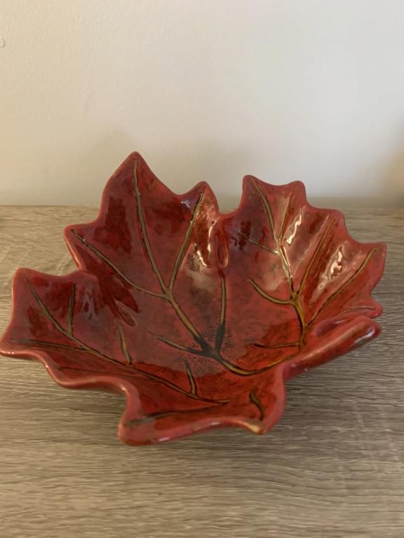 Ceramic Autumn Leaf ID Request Img_6915