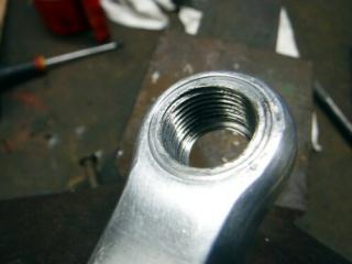 Réparation d'un filetage de manivelle 14x125 Repara16