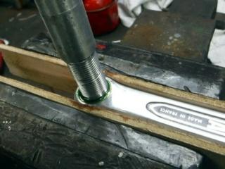 Réparation d'un filetage de manivelle 14x125 Repara19