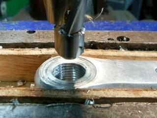 Réparation d'un filetage de manivelle 14x125 Repara21