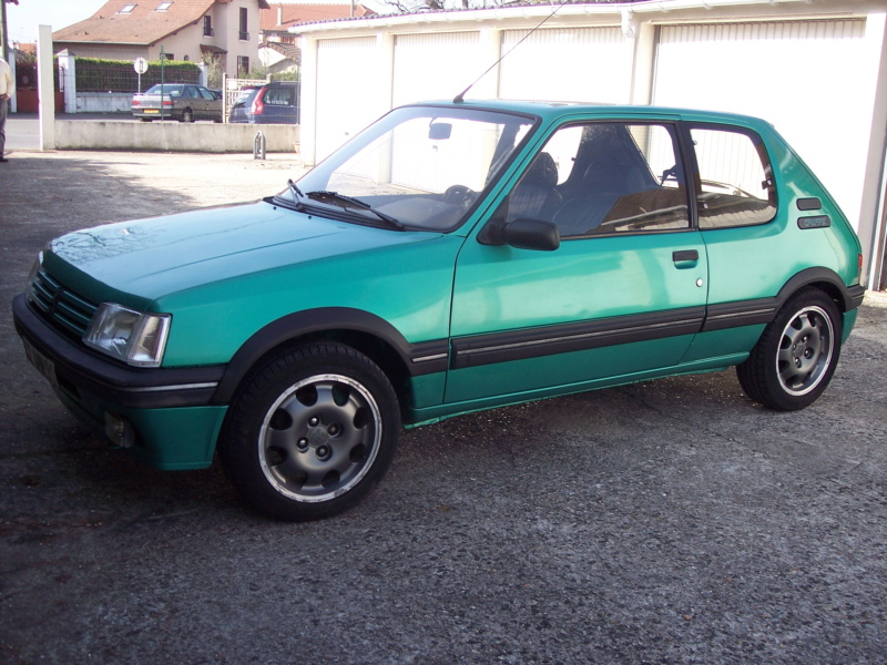 [85] 205 GTi Griffe - 130cv - AM91 - Vert Fluorite - N°1259/1652 100_4110