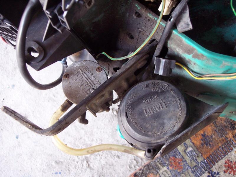 [85] 205 GTi Griffe - 130cv - AM91 - Vert Fluorite - N°1259/1652 - Page 3 100_4417