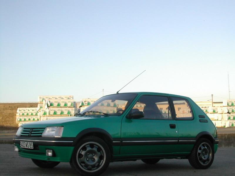 [85] 205 GTi Griffe - 130cv - AM91 - Vert Fluorite - N°0688/1652 Dscn0013