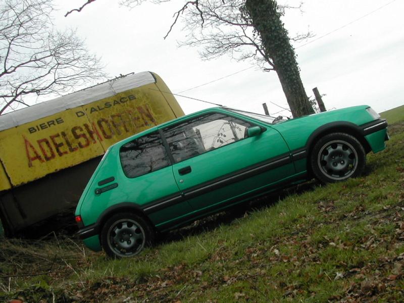[85] 205 GTi Griffe - 130cv - AM91 - Vert Fluorite - N°0688/1652 Dscn0017