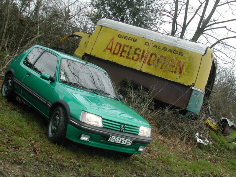 [85] 205 GTi Griffe - 130cv - AM91 - Vert Fluorite - N°0688/1652 Dscn0020