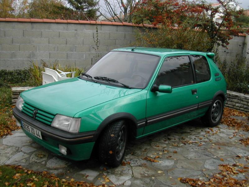 [85] 205 GTi Griffe - 130cv - AM91 - Vert Fluorite - N°0688/1652 Dscn3912