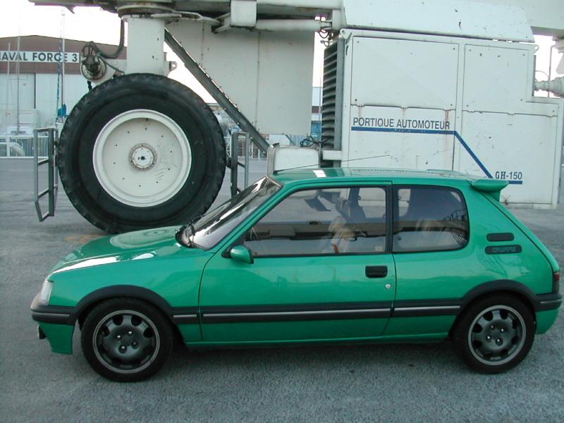 [85] 205 GTi Griffe - 130cv - AM91 - Vert Fluorite - N°0688/1652 Dscn4114