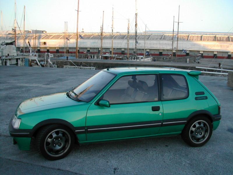 [85] 205 GTi Griffe - 130cv - AM91 - Vert Fluorite - N°0688/1652 Dscn4115