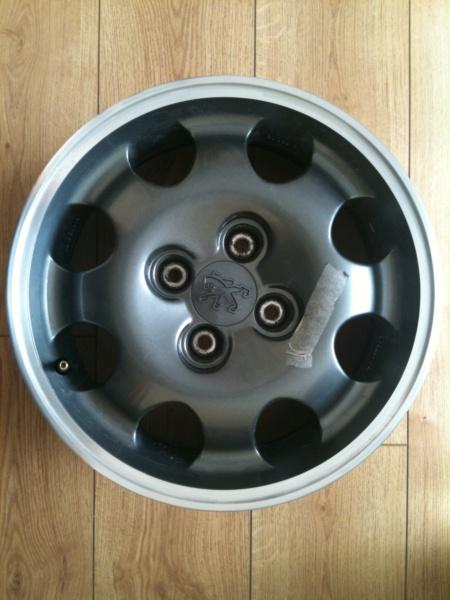 [85] 205 GTi Griffe - 130cv - AM91 - Vert Fluorite - N°1259/1652 - Page 6 Img_0017