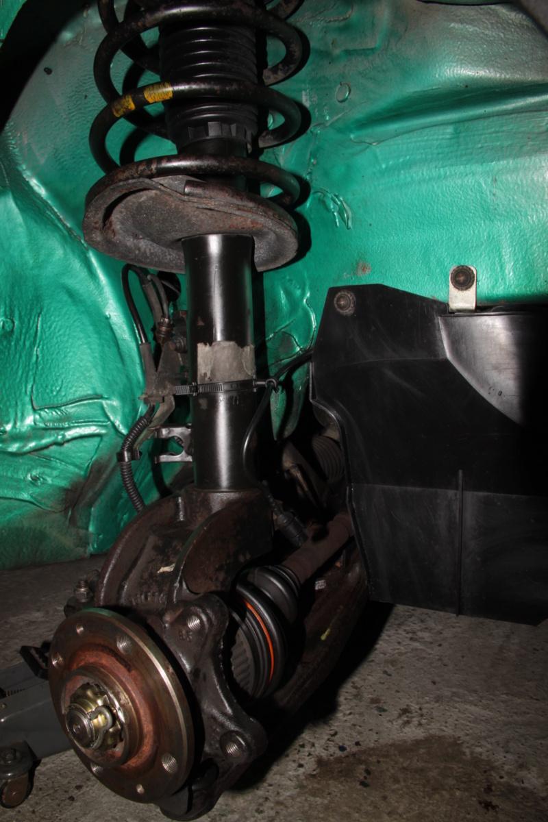 [85] 205 GTi Griffe - 130cv - AM91 - Vert Fluorite - N°1259/1652 - Page 8 Img_2210