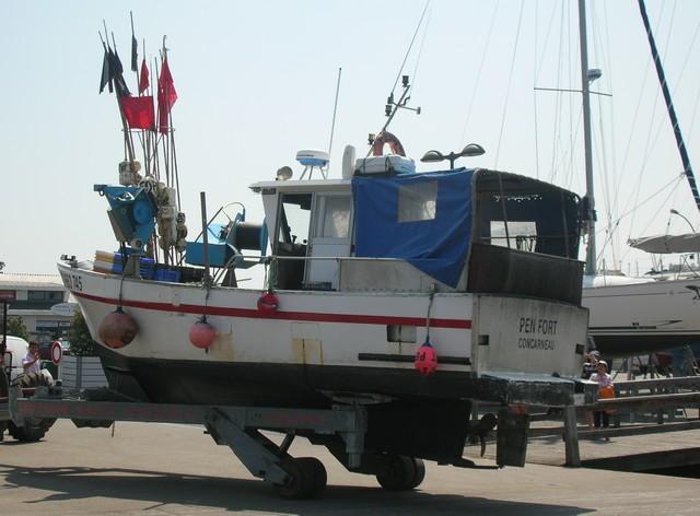 [VIE DES PORTS] Quelques bateaux de pêche (sur nos côtes Françaises) - Page 2 07_06_33