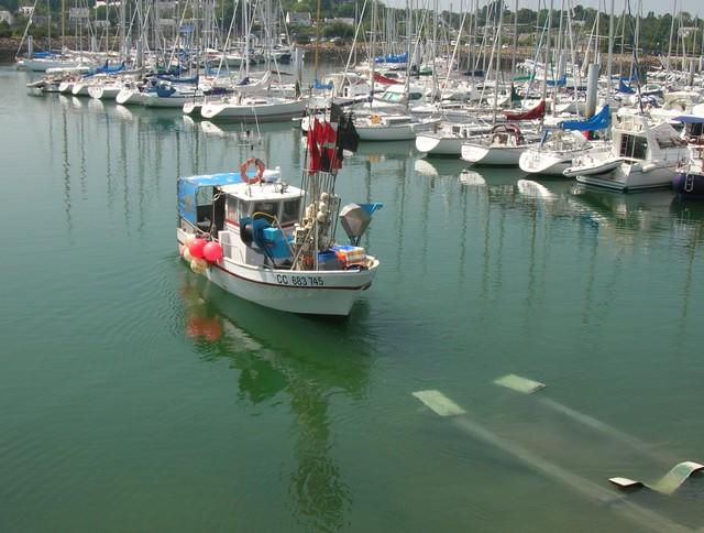 [VIE DES PORTS] Quelques bateaux de pêche (sur nos côtes Françaises) - Page 2 07_06_39