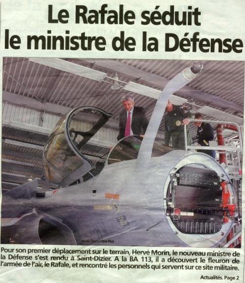Le Rafale séduit le ministre de la Défense Rafale10