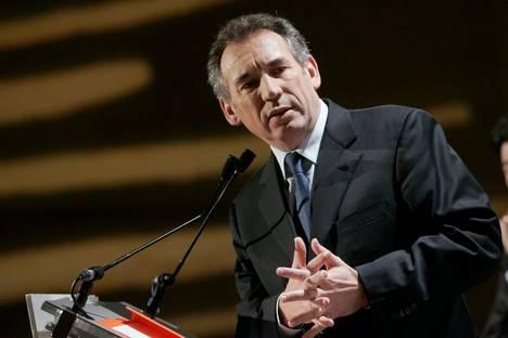 Le MoDem ne gagnera peut-être pas l'Assemblée ... - Page 2 Bayrou13
