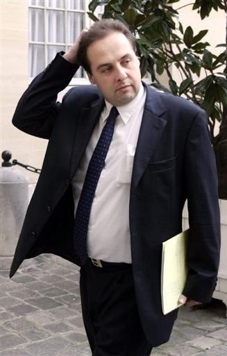 Encore un fidèle de Bayrou qui file vers l'UMP ... Jean-c11