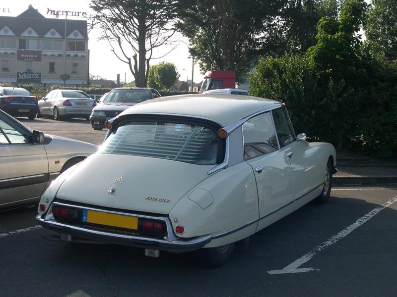 [Photos] Les Citroën croisées dans la rue Dscn0637