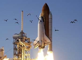 Lancement Atlantis STS-117 (08/06/2007) Navett10