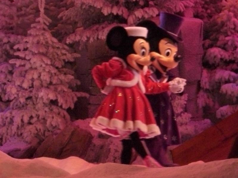 Spectacle Mickey et la magie de l'hiver - Page 2 Dsci0210