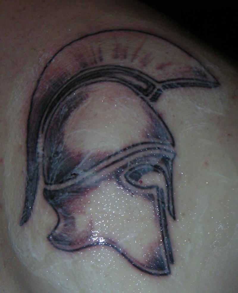 Mon premier tatoo !! Casque10