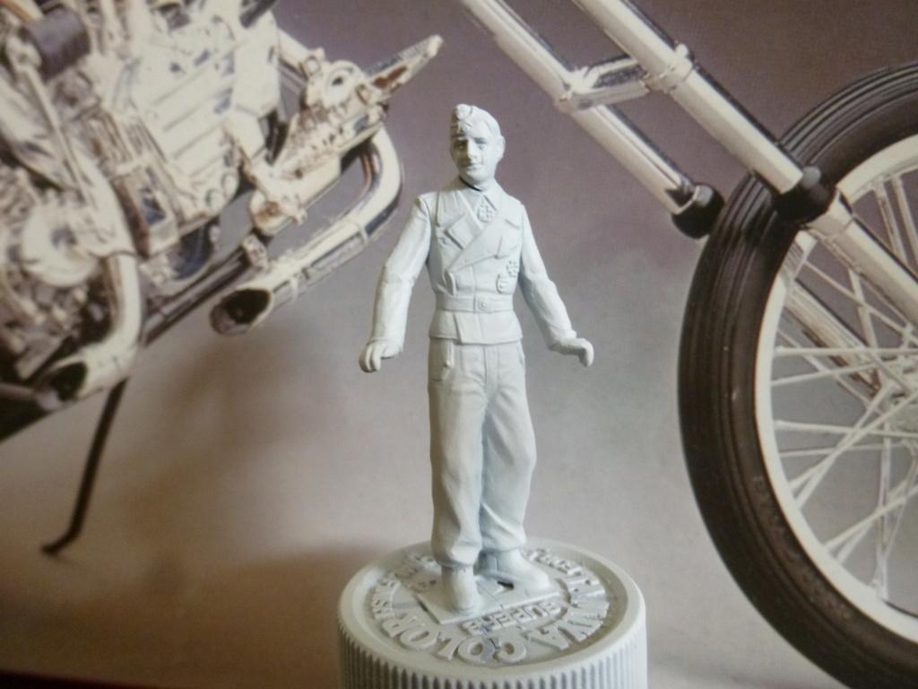 Peinture sur figurines P1030620