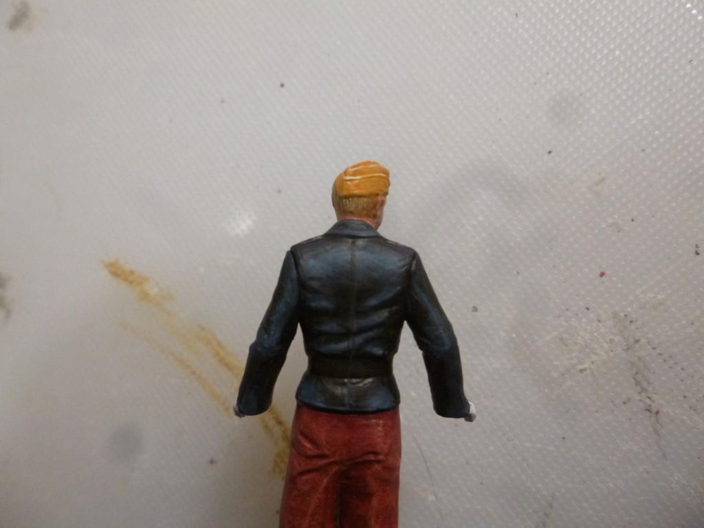 Peinture sur figurines P1030664