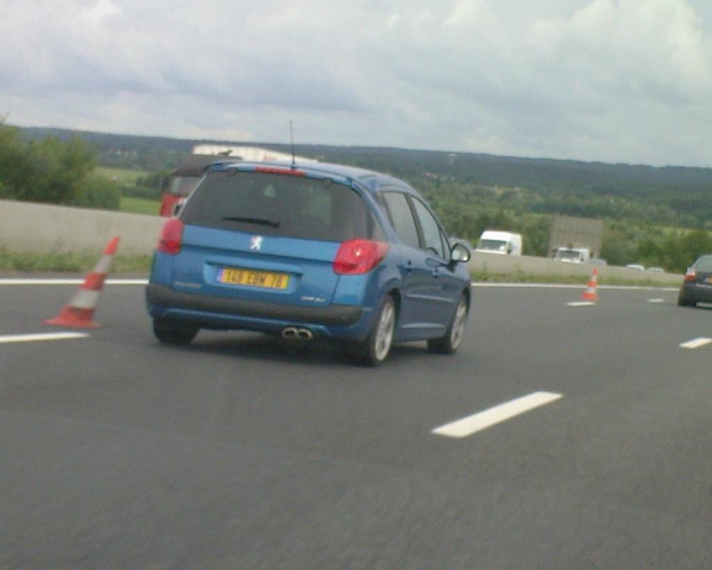 [Peugeot] 207 SW RC Photos11