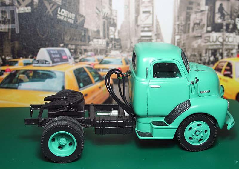 "CHEVY 1948 COE ""tracteur"" :  Terminé !!!!   (13 / 01 / 13) - Page 5 07o11"