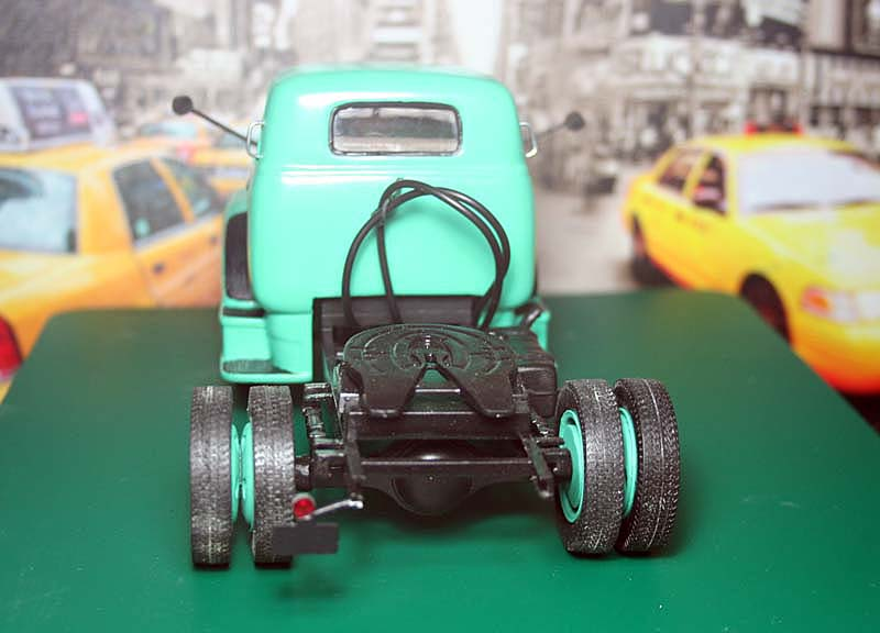 "CHEVY 1948 COE ""tracteur"" :  Terminé !!!!   (13 / 01 / 13) - Page 5 07r10"